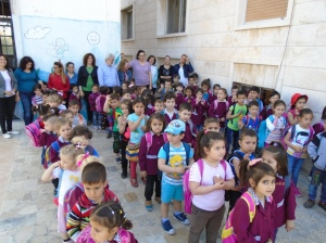 The children, teachers and staff of the Mahardeh KG. The little five-year-olds on the far right will graduate in May.